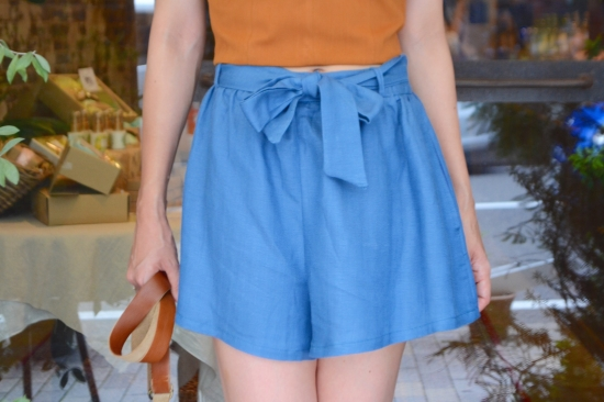 LUSH blue short pants