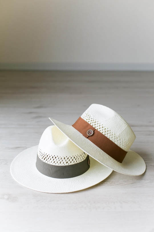 CATARZI White ribbon Hat