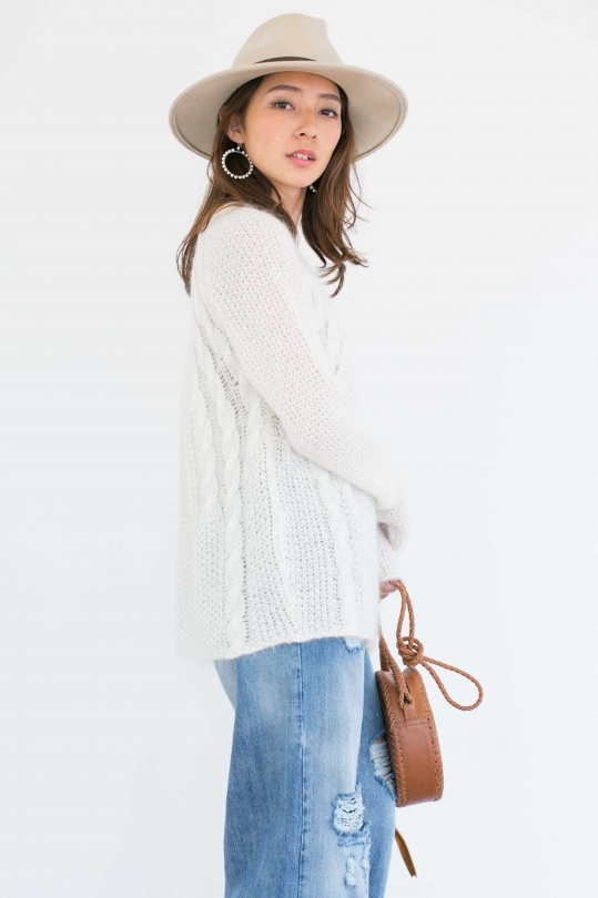 LES TRICOTS DE LEA white cable knit