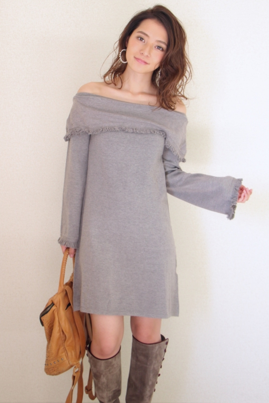 THML gray fringe off-shoulder knit OP