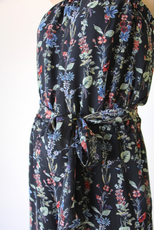 LaLaLei original flower black rompers