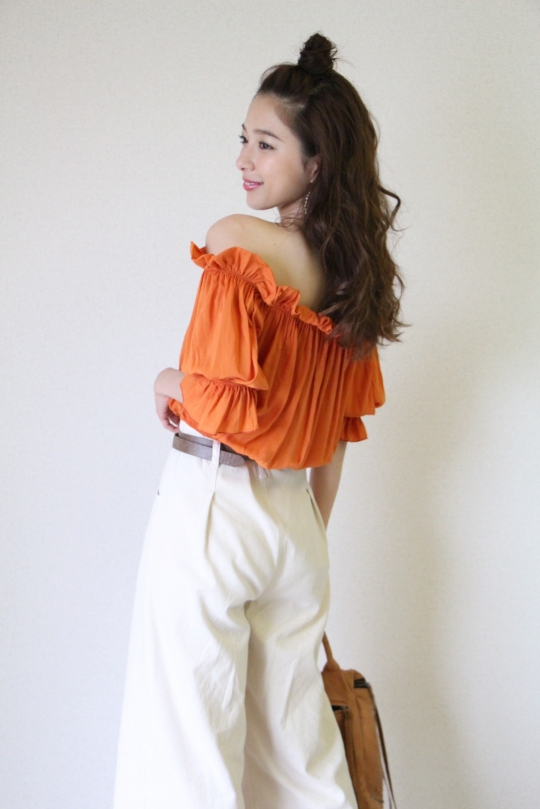Please orange color off-shoulder tops