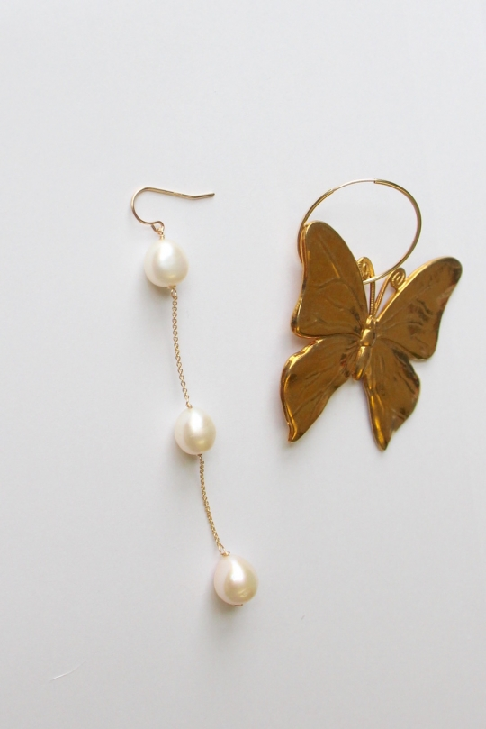 RueBelle gold asymmetry earrings