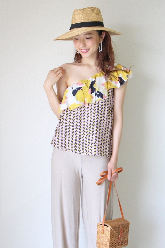 Dixie yellow flower design one-shouler tops