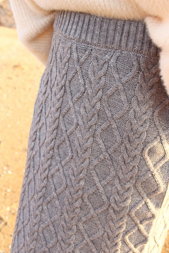 LaLaLei cable knit gray SK