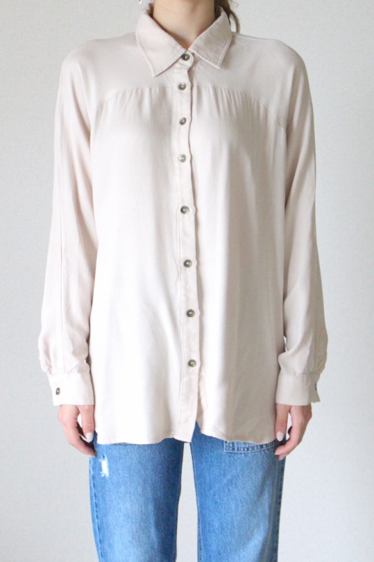 Love Stitch beige shirt