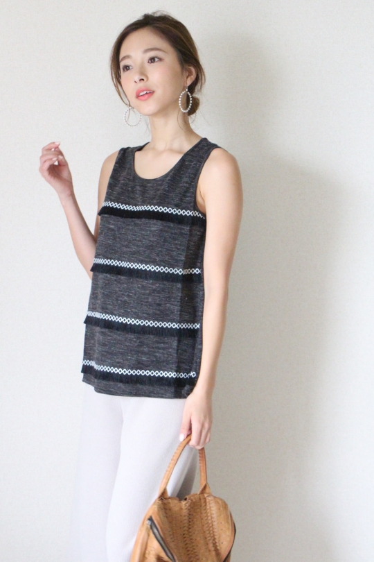 THML Border fringe knit tops