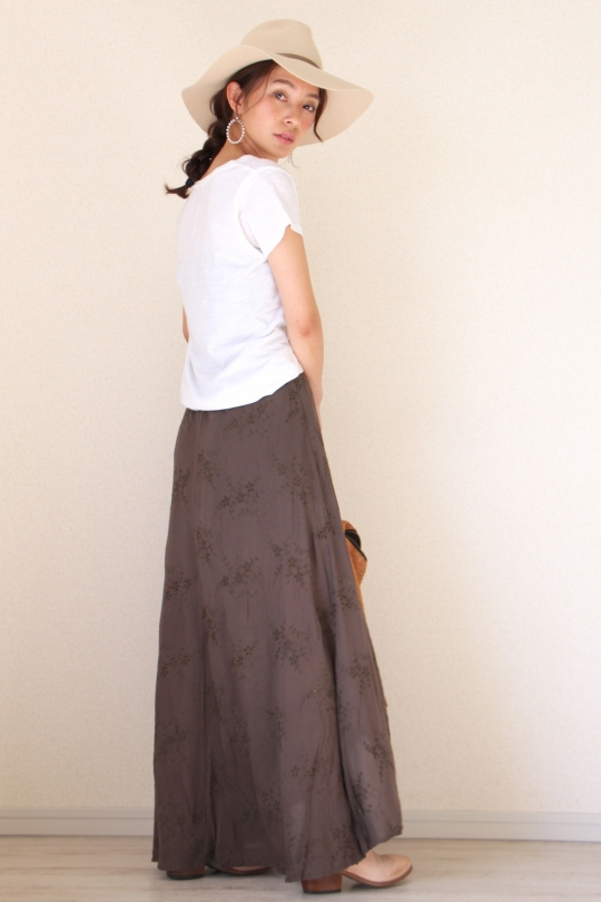 Love Stitch khaki skirt