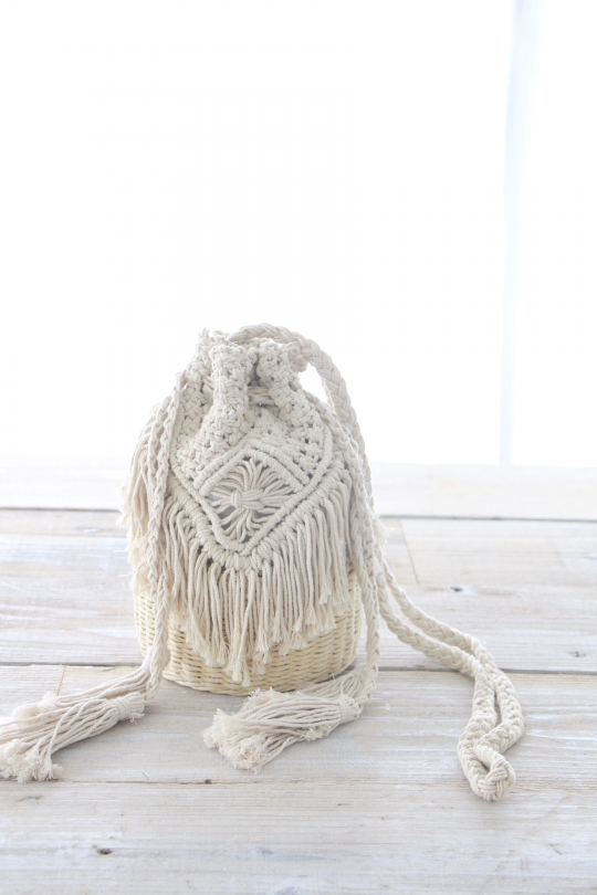 joia crochet bag
