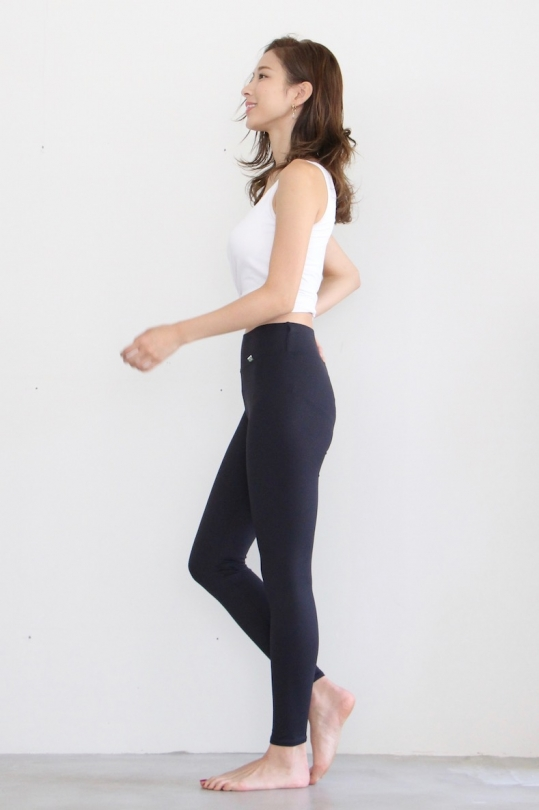 Linda Works yoga leggings black