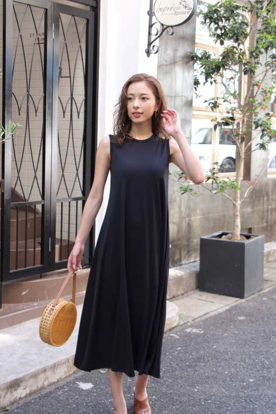LaLaLei simple summer dress/ black