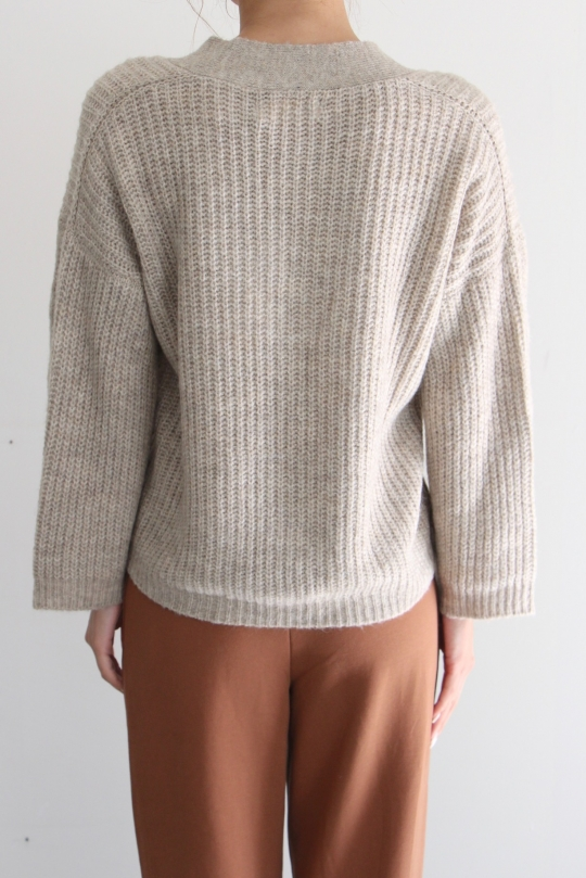 indi&cold  arm carble knit tops
