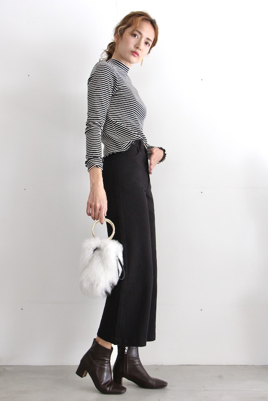 whimsy+row  wide pts black