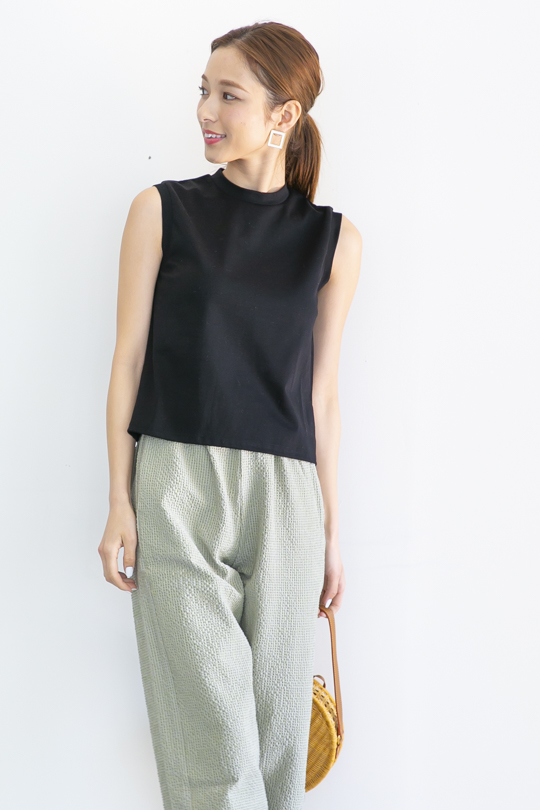 LaLaLei high-neck simple sleeveless black TOPS