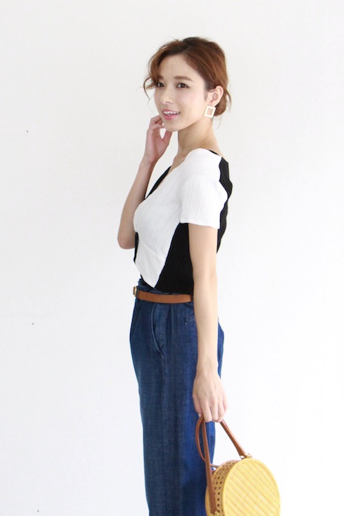 AMVi collection monotone tops