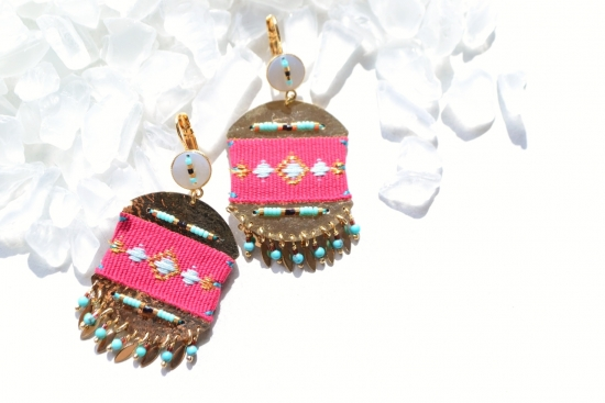 SATELLITE Gold plate×pink nativedesign earrings