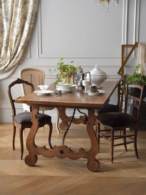 スパニッシュテーブル