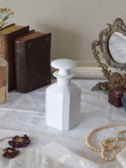蓋つき陶器ボトル