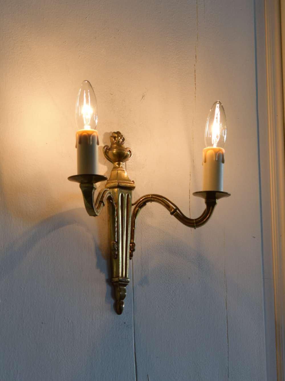 2灯ウォールランプ.30A