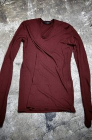 <img class='new_mark_img1' src='https://img.shop-pro.jp/img/new/icons23.gif' style='border:none;display:inline;margin:0px;padding:0px;width:auto;' />JULIUS(ユリウス)   COTTON CASHMERE  JERSEY  ロングスリーブ カットソー (BORDEAUX/PURPLE)  サイズ3