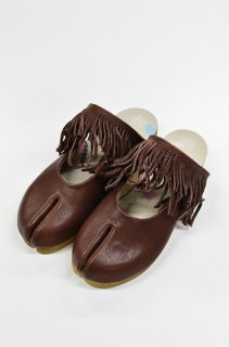 bedsidedrama ホースフリンジの足袋サボ - BROWN