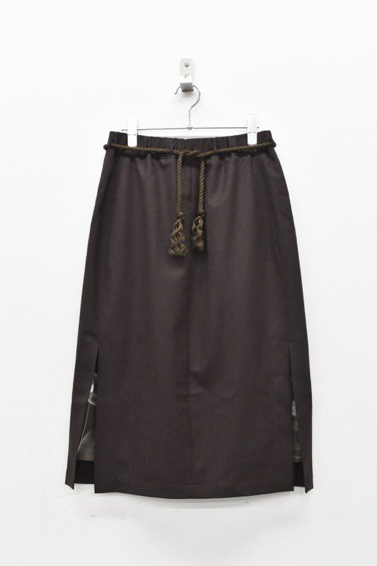 ohta / dark brown skirt