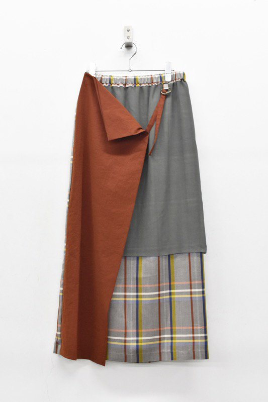 ohta / dark red skirts
