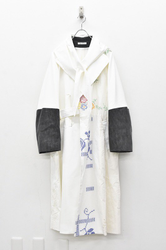 YEAH RIGHT!! / TABLE CLOTH SHAWL COAT