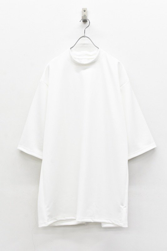 prasthana / crevice mock neck - WHITE
