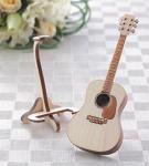 手のひらサイズの楽器 ひのきのアコースティックギター