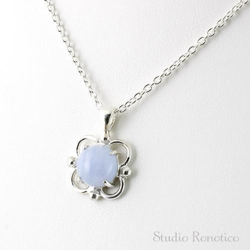 Silver925製 ブルーレース透かしお花モチーフのネックレス