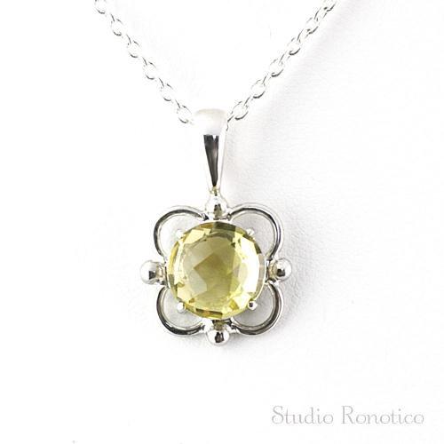 Silver925製 レモンクォーツ 透かしお花モチーフのネックレス