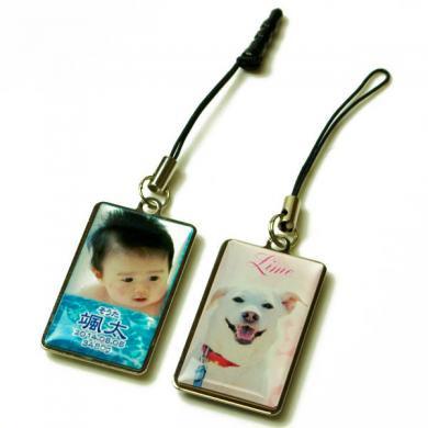 写真ストラップ メタルプレート 長方形 両面印刷 スマホ イヤホンジャック 名入れ ペット 子供 犬 猫