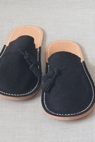 leather slipper black