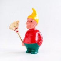 【当店限定】 ドイツ製 首振り人形 ドワーフ 赤シャツ お掃除おじさん