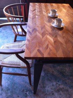 組み木ダイニングテーブル