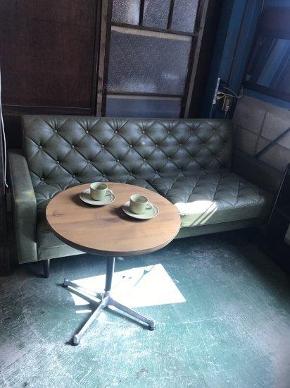 ラウンドサイドテーブル