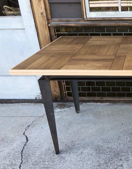 パーケットダイニングテーブル 黒皮鉄脚