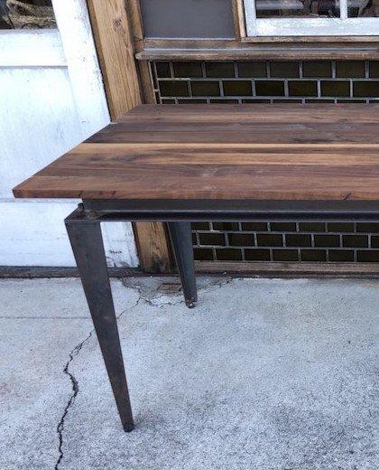 ウォルナットダイニングテーブル 黒皮鉄脚 W1500 D800