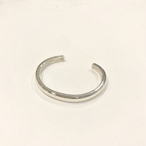 【 r 】アール<br />Roundness Bangle