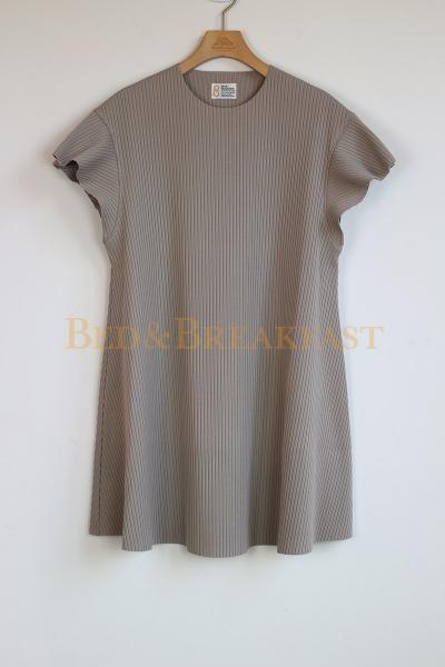 BED&BREAKFAST<br />Summer Rib Flare Sleeve Tunic<br />
