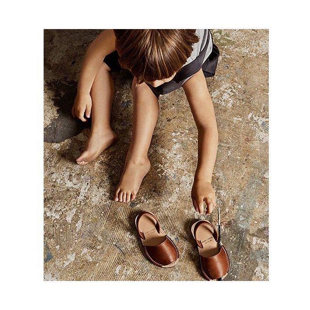 Avam Sandals Black img2