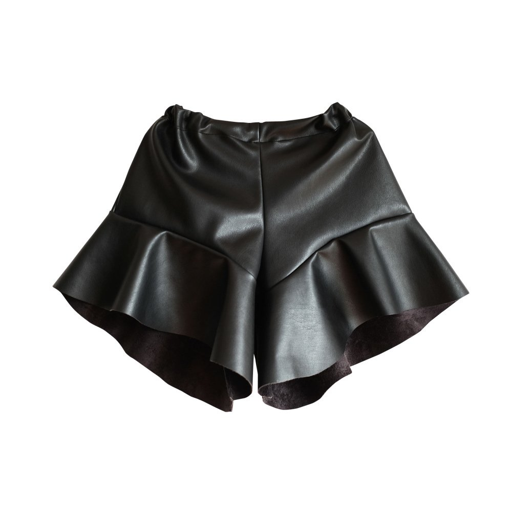 【MORE SALE 40%OFF】AURELIA Shorts BLACK PU img