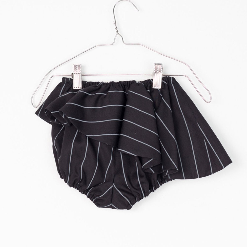 【MORE SALE 50%OFF】ELINA BB SHORT Black with grey lines img3