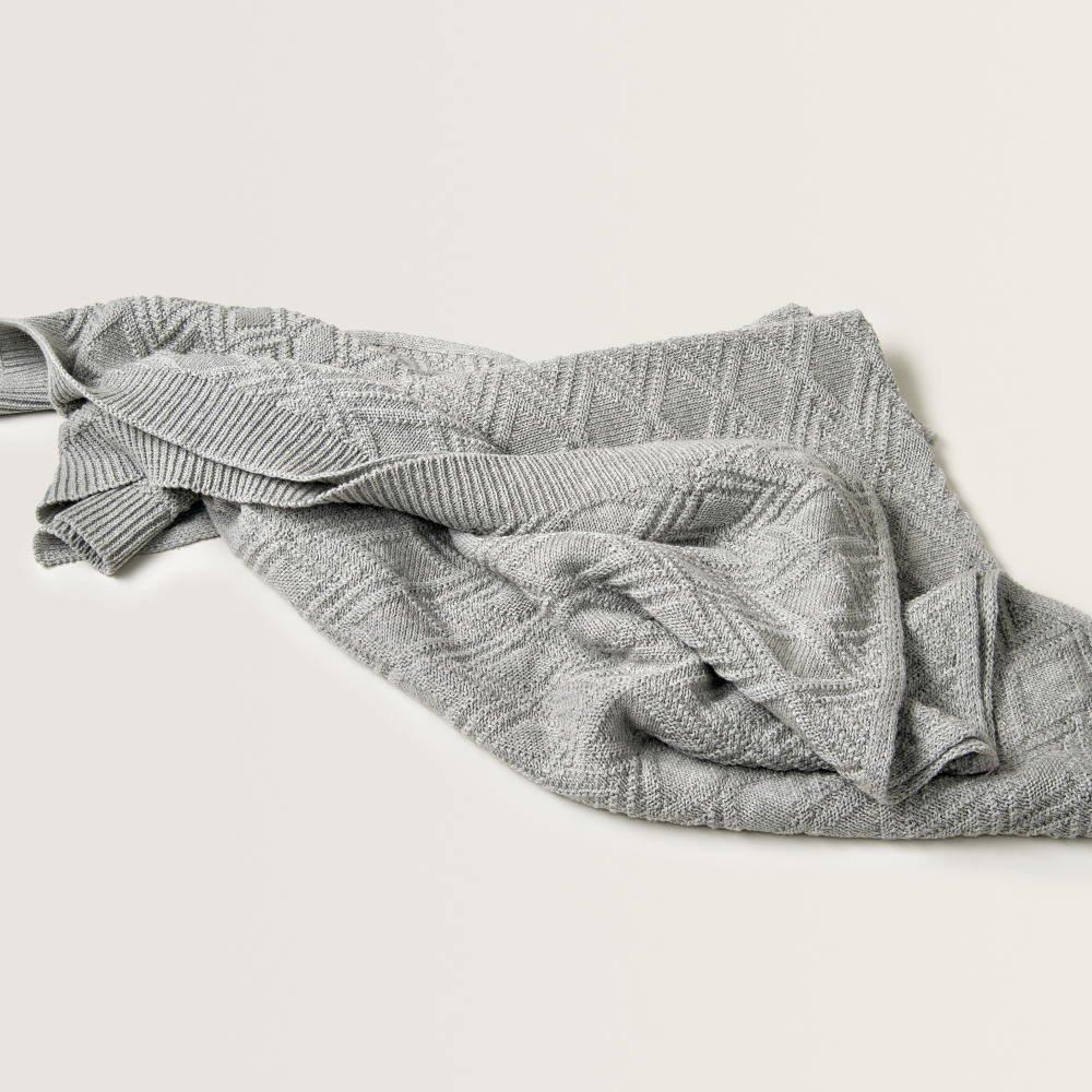 Ollie Gray Blanket img1