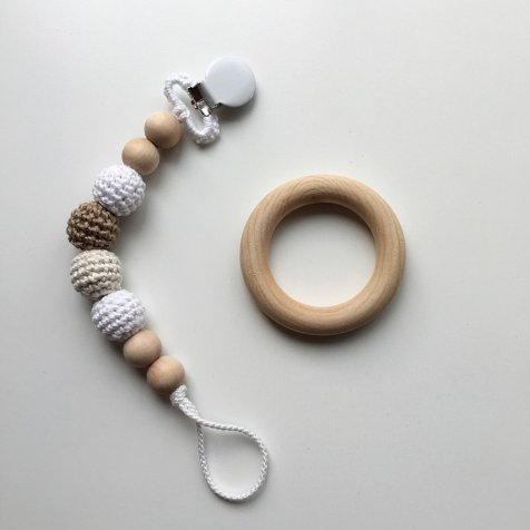 Crocheted Beads Pacifier Clip おしゃぶりホルダー with Wooden Ring