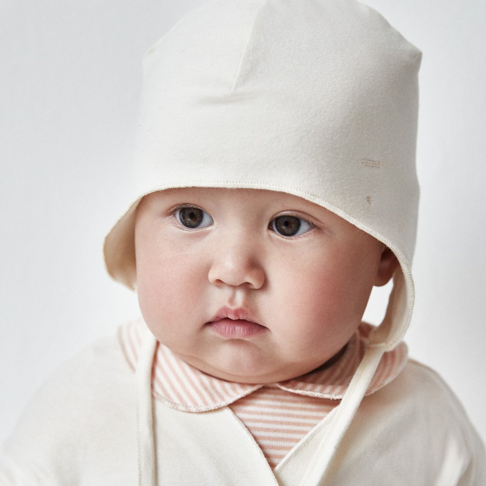 【NEW】Baby Hat with Strings Cream img4