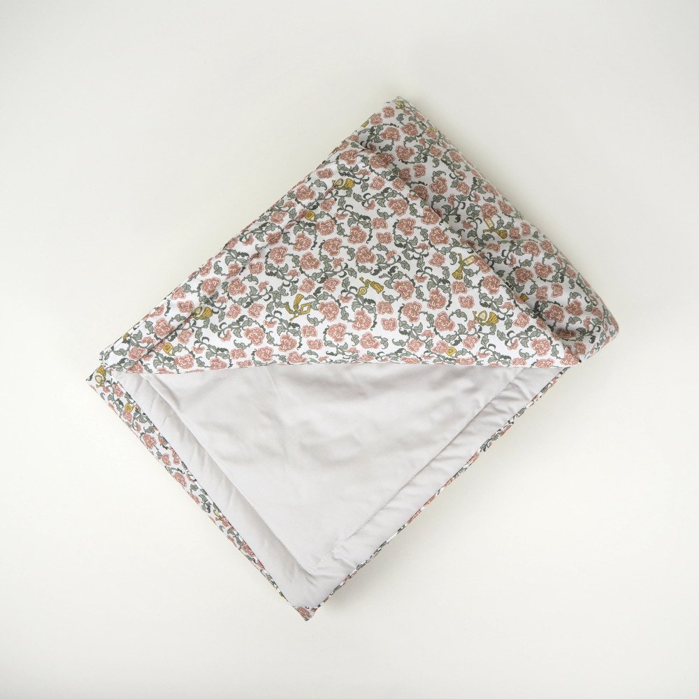 【追加販売】Floral Vine Filled Blanket img2