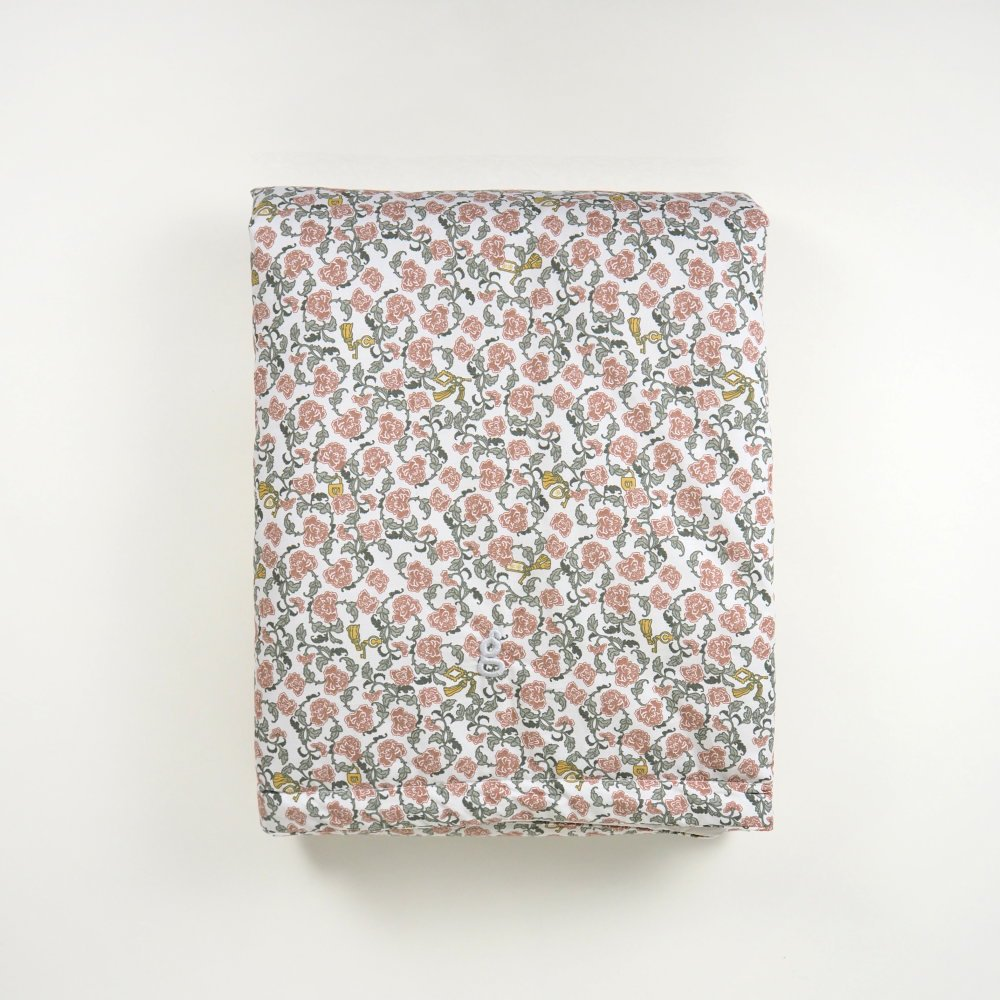 【追加販売】Floral Vine Filled Blanket img3