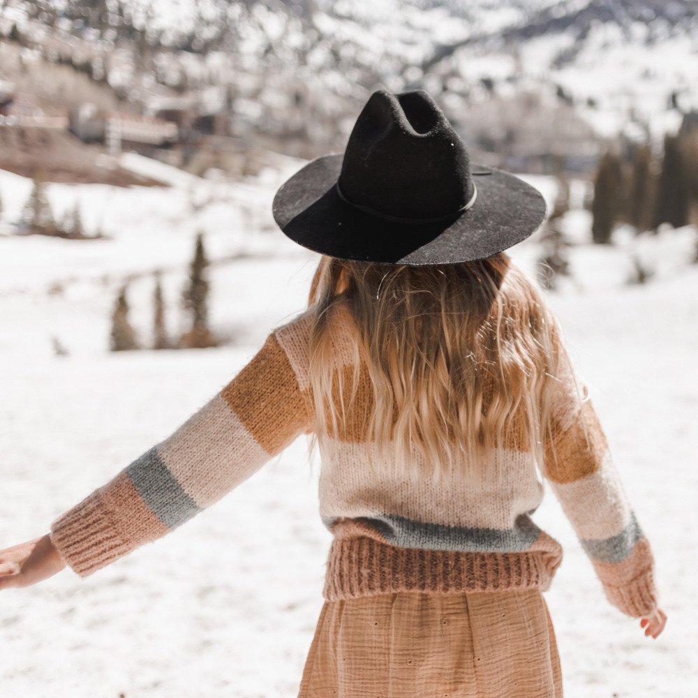 stripe aspen sweater img6